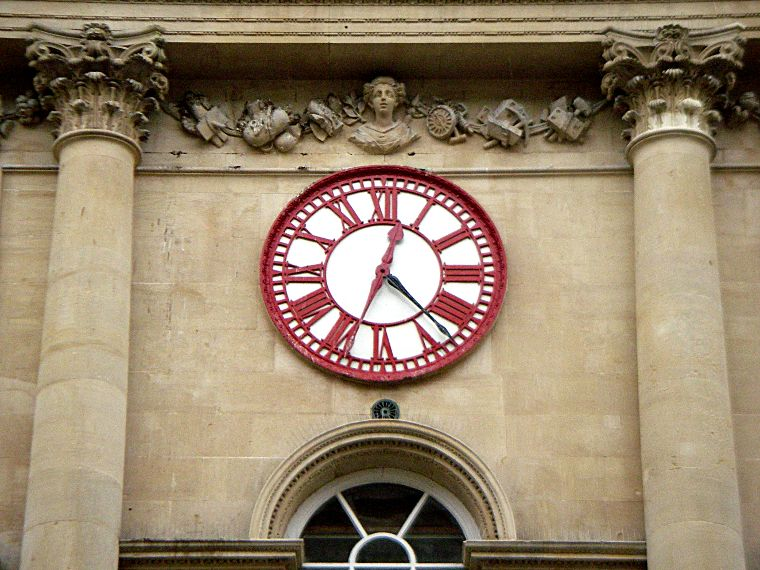 Bristol Corn Exchange Clock with two minute hands